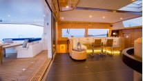 Catamaran WINDQUEST - Salon and Aft Deck