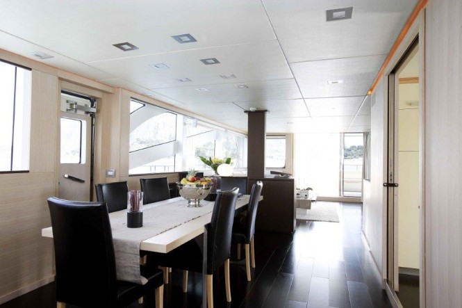 Charter yacht ARIA - Dining