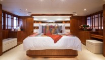 Charter yacht RESTLESS - Master Cabin
