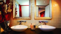 Chic-cabin-bathroom-Superyacht-JoyMe-Interior-by-Standby-Builder-Phillip-Zepter-Yachts