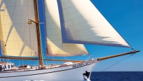 Classic SY SILVER SPRAY - Under sail