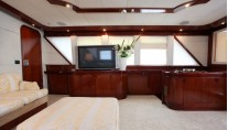 Classic Yacht HATHOR -  Salon TV