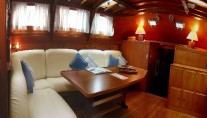 Classic Yacht Lady Sail -  Salon looking forward