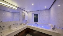 Classic Yacht SULTANA -  Master Ensuite