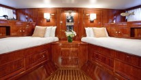 Classic Yacht THE HIGHLANDER -  Aft Twin Cabin