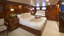 Classic Yacht THE HIGHLANDER -  Master Cabin