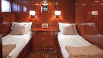 Classic Yacht THE HIGHLANDER -  Twin Cabin
