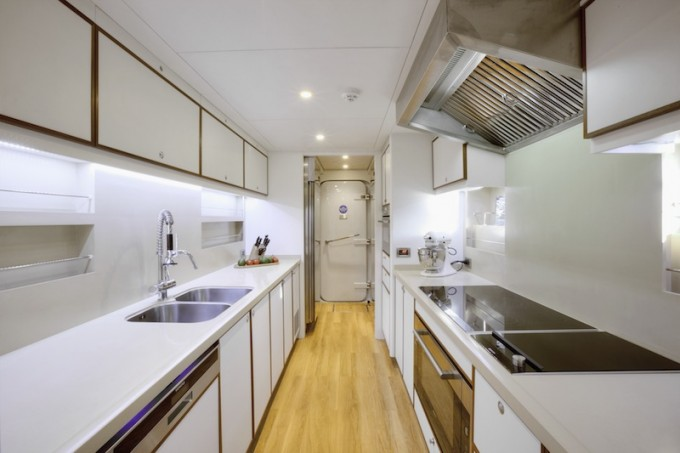 Curvelle motor yacht Quaranta Galley.jpeg