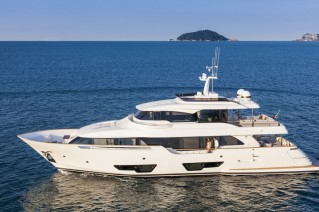 Custom Line Navetta 28 designed by Zuccon International Project