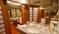 DANGLETERRE II  Bathroom