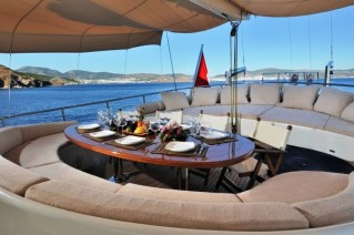 DOLCE MARE Deck Lounge