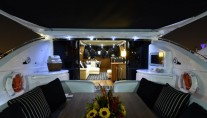 DOUBLE D - Aft deck by night