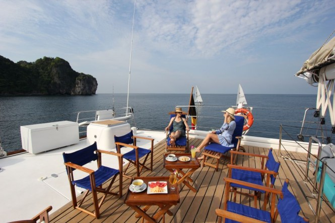 DOUCE FRANCE - Aft deck