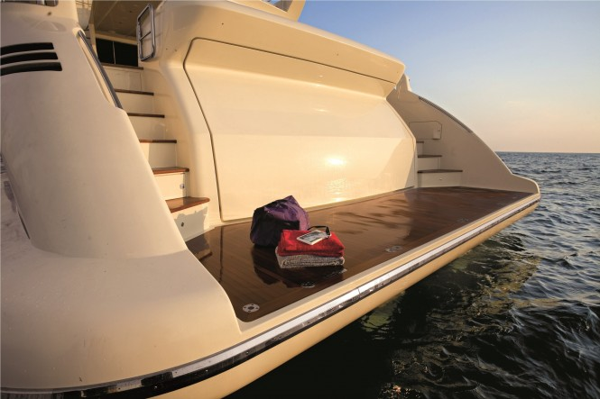 DUKE Sistership Azimut 103 S Bathing Platform