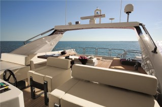 DUKE Sistership Azimut 103 S Flybridge