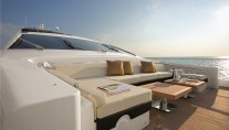 DUKE Sistership Azimut 103 S Forward Relax Area