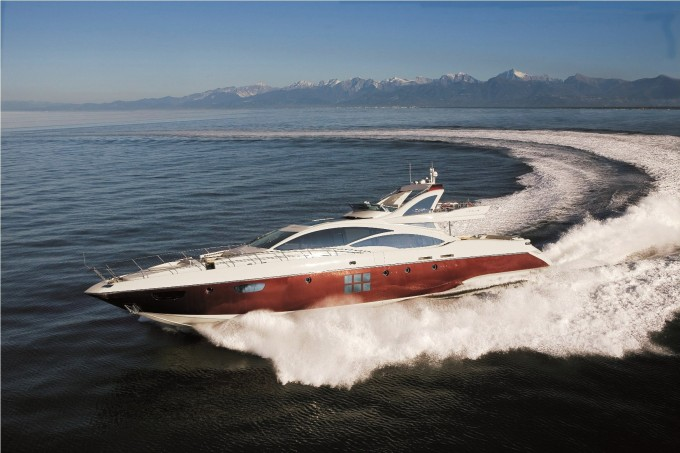 DUKE Sistership Azimut 103 S Running 4