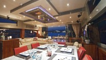 Dining on the Sunseeker Phantom Luxury Yacht