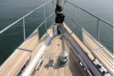 Discovery Yachts More Magic - Bow