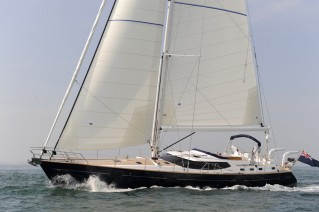 Discovery Yachts More Magic - Sailing