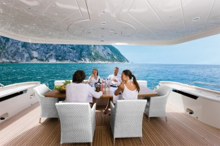 Dominator 860 Yacht -  Aft Deck Dining