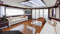 Dominator 860 Yacht -  Main Salon