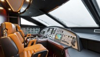 Dominator 860 Yacht -  Wheelhouse
