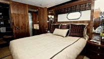 Donna Marine yacht - VIP guest room