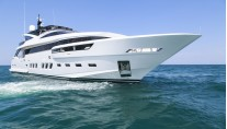 Dreamline 34m Yacht - front view