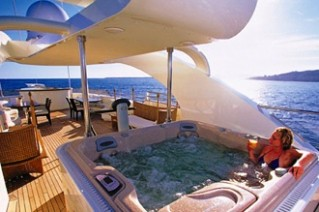 ELLIX TOO - Top Deck Spa Pool