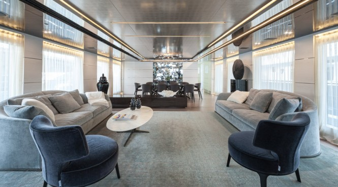 ENTOURAGE Yacht - Main Saloon