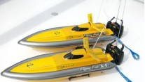 EQUINOX -  2 Remote Controlled Race Boats