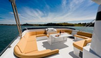 ESCAPADE Flybridge