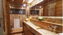 Electra superyacht - Master cabins bathroom-001