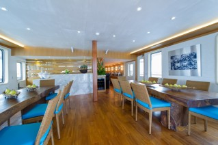 Expedition yacht SALILA -  Dining