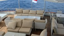 Expedition yacht SALILA -  Stern Lounge