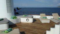 Expedition yacht SALILA -  Sundeck Sunbeds