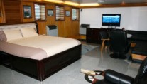Explorer superyacht SARSEN - Owners Suite