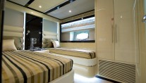 Explorer yacht Gulf 75 Exp - Twin Guest Stateroom