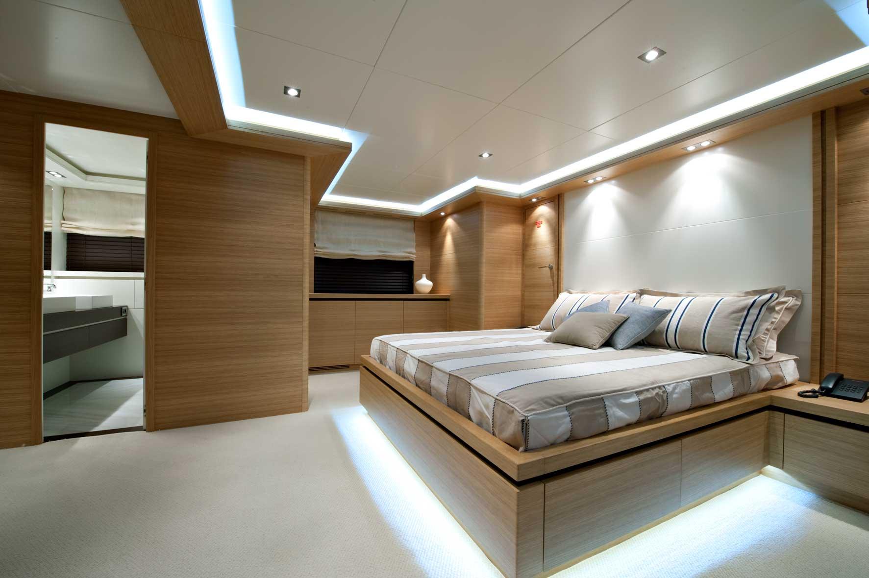 falcon 115 yacht helios double cabin