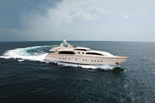 Falcon 115 Yacht Helios - Underway