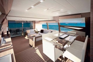 Ferretti 720 MY salon
