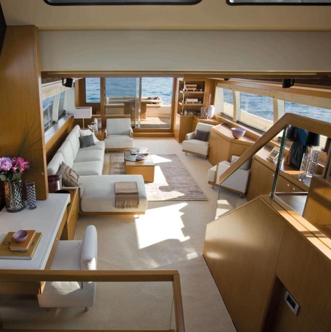 Ferretti Altura 840 Interior