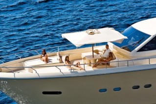 Ferretti Altura 840 from above.png