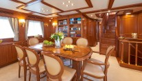 Ferretti Motor Yacht IMAGINE - Dining
