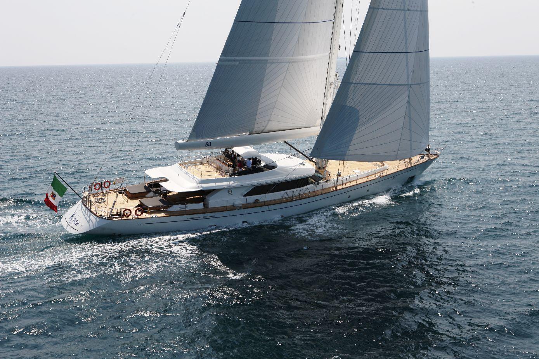 Yacht Fivea A Perini Navi Superyacht Charterworld