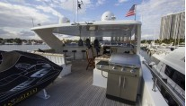 Freedom R yacht - flybridge