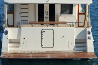 Grand-Banks-76RP-Yacht-rear-view