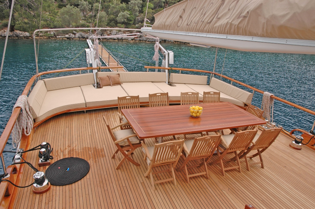 Gulet schatz aft deck dining and sunpads luxury yacht for Definition of a balcony
