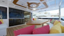 Gulf 75 Exp Yacht - Cockpit Seating Area